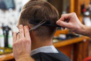 美容室と床屋の違いは?カット?切り方?美容師が教えるそれぞれのメリットとデメリット
